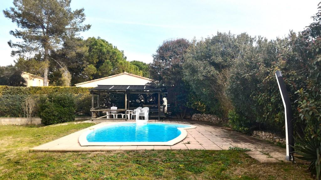 Superbe villa de 216m2 teyran avec piscine proche for Jardin 700m2
