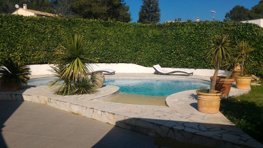 villa plain pied Teyran: La piscine