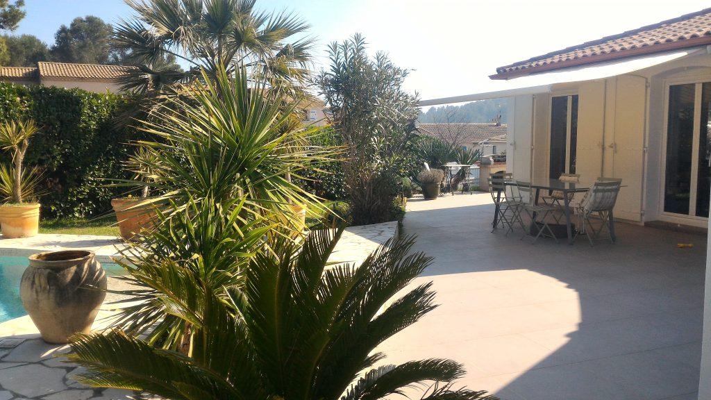 villa plain pied Terrasse ombragée