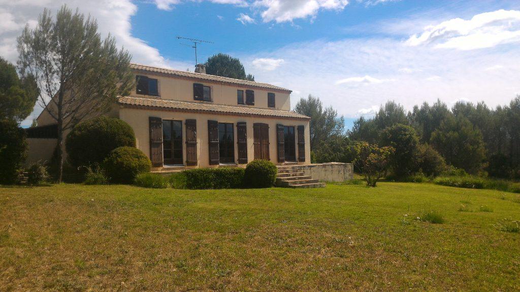 villa avec grand jardin 34820