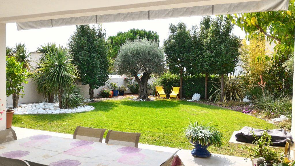 vente villa plain pied Teyran avec jardin paysagé
